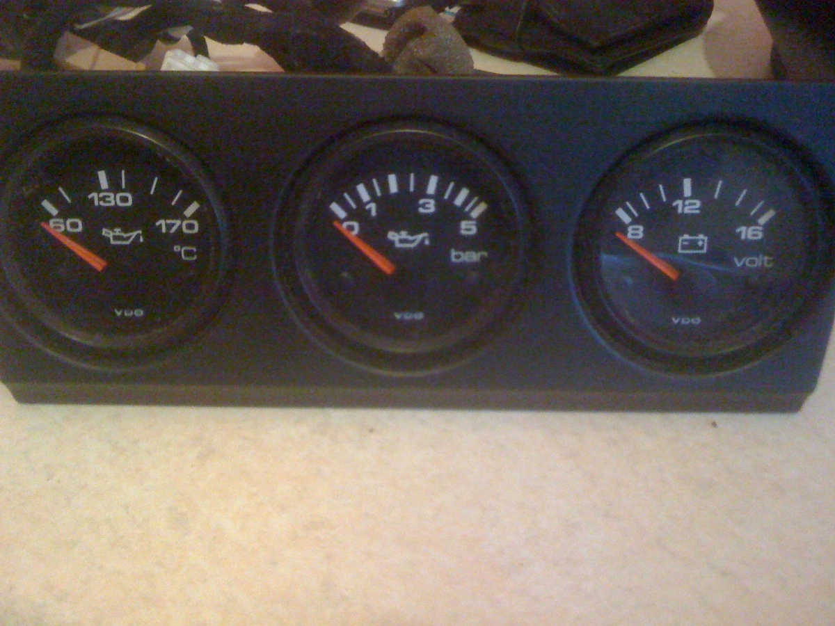 how to fit audi 80 gauges hopefully alfa romeo 145 146 forum rh forum alfa145 com Ford Tachometer Wiring Diagram Sunpro Tachometer Wiring Diagram